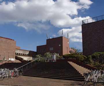明石市立図書館外観